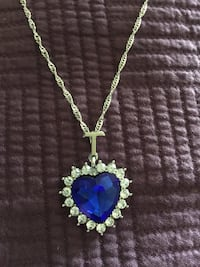 Titanic The Heart of the Ocean Blue Crystal Necklace  Aldie, 20105