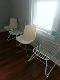 Plastic and metal chairs Stafford, 22554