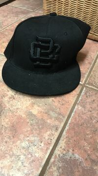 black and gray fitted cap Saanich, V8Y 1M2