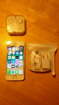 Unlocked Iphone 5s 16gb with accessories  Loxahatchee, 33470