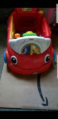 red and white Little Tikes cozy coupe Montréal, H4A 2A8