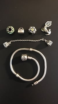 Pandora bracelet with stopper and Beads