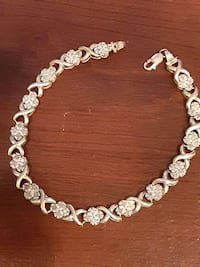 10k gold and diamond XO bracelet  Halethorpe, 21227