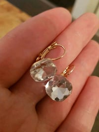 Beautiful gold plated earrings Laval, H7X 3T5