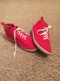 Red women shoes size 8 551 km