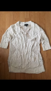 LeChateau knitted cardigan size small Vernon, V1T
