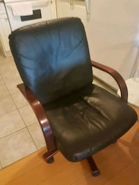 black leather office rolling armchair Vancouver, V5K 5J5