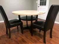Wooden Table and 4 Chairs Clarksville, 37040