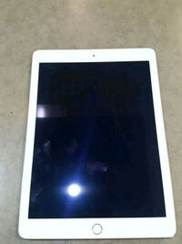 Apple tablet IPAD A1566 548 km