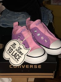 Kids Converse size 6 BRAND NEW WITH TAGS AND BOX Toronto, M6J 2G5