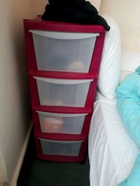 Pink plastic 4-drawer tower Londres, NW1