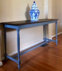 Entry table/ console table  Gainesville, 20155