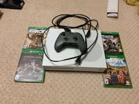 XBOX ONE + Controller with games  New Westminster, V3M 5J6