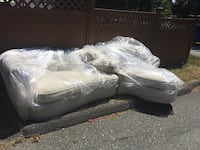 Beige sectional couch  Burnaby, V3N