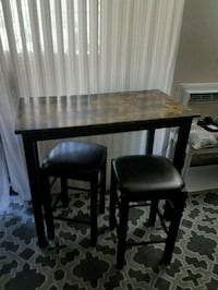 Tall table and stools Garden Grove, 92840