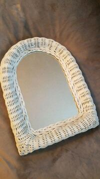 White Wicker Mirror Newmarket, L3X 1Y2