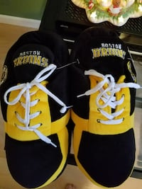 Boston Bruins sneaker slippers