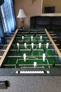 Fooze ball table/with balls Baltimore, 21224