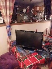 For sale dynex 25 inch tv with remote