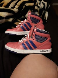 Women's Adidas hightops size 7