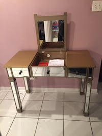 MIRROR MAKE-UP \ VANITY TABLE