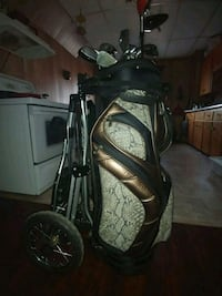 Golf bag with all the extras and left handed clubs Ailsa Craig, N0M 1A0