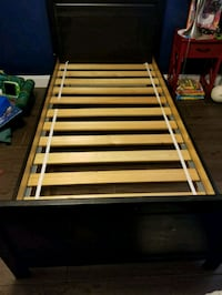 Twin bed frame and chest Lehigh Acres, 33971