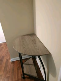 Side/ entry table, perfect condition