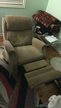 Lazy Boy Rocker Recliner chair  Woodbridge, 22192