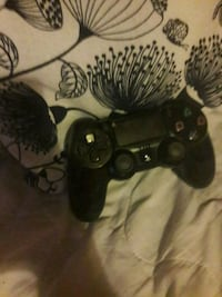 black Sony PS4 game controller Greater London, SE18 5LB