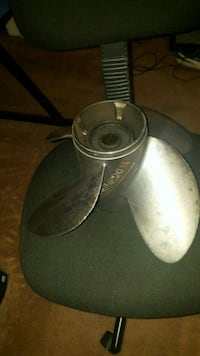 Stainless Cyclone 4 blade prop Johnson/Evenrude