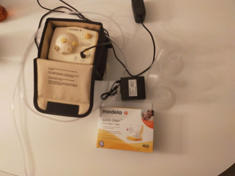 Medela breast pump in style advanced double starter and bmilk bag f9e03abb-1346-40be-adb9-022b1b5def40