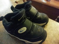 pair of black Nike basketball shoes San Antonio