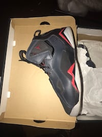 Like new Jordan spizike red black and gray size 7y retro