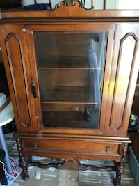 China cabinet/hutch Vaughan, L4L