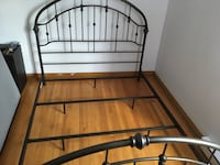 Copper coloured bed assembly , new , used 2 weeks , paid well over $500 , asking $200 , pick up only , no mattress or box spring , sold as is  Montréal, H2B 1E9