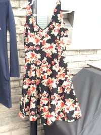 black and white floral scoop-neck sleeveless dress London, N6P 1B6