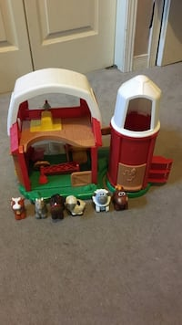toddler's multicolored toy barn set St Catharines, L2M