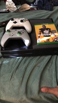 xbox one two controllers  And madden 19 Manassas, 20109