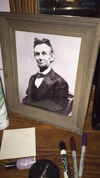 Handsome Black and white print of THE Abraham Lincoln in Nice wooden frame  Lawrence, 66047