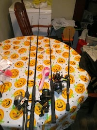 fishing poles $20 are best offer Ranson, 25438