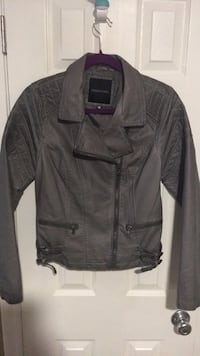 Jacket  faux leather woman med grey looks great with jeans Harpers Ferry, 25425