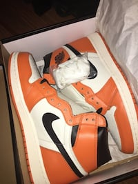 "Air Jordan 1 ""Reverse shattered back boards"" size 9 Toronto, M1L"