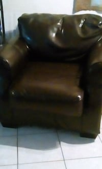 black leather padded sofa chair Bakersfield, 93305