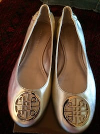 pair of silver flats Alexandria, 22311