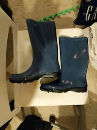 Rubber boots 2 pairs new size 6&8 grey and black glossy. Price 20 each Whitby, L1R 0J8