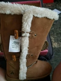 pair of brown UGG boots Montréal, H1G 2H4