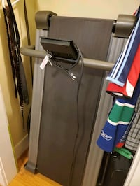 Ever young folding treadmill + floor mat