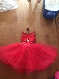 Beautiful red tutu only wore for Dance size 11/12 Smoke free Regina, S4T