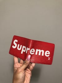 Supreme x Louis Vuitton men's red wallet